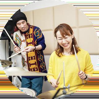 ドラムの練習風景の画像