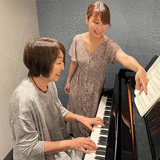 ピアノの練習風景の画像